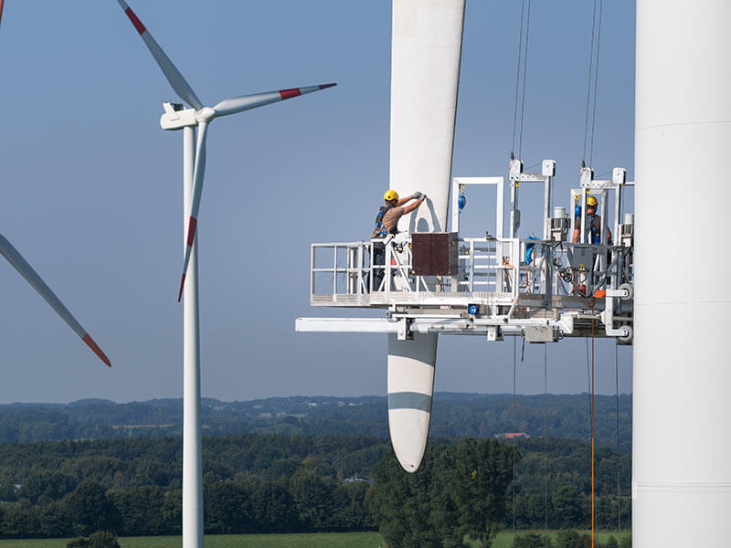 using heating blankets to repair rotor blades on wind turbines